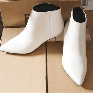SAM EDELMAN Kinzey Booties - New